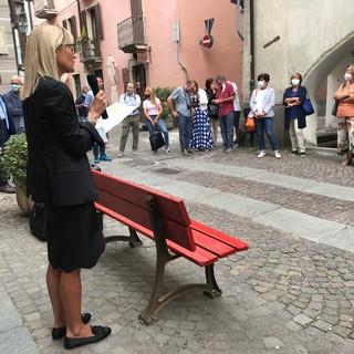 A Cuneo inaugurata la 23^ panchina rossa: un simbolo per tenere alta l'attenzione sul tema della violenza di genere