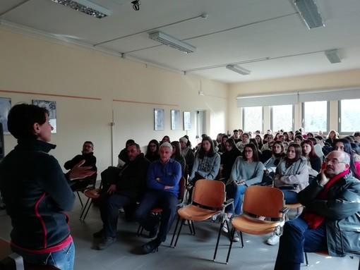 """A scuola di """"donazione"""" con ADMO, AVIS e AIDO: incontri di sensibilizzazione per le classsi quinte al Denina di Saluzzo"""