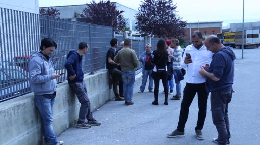 """Tre licenziati alla Tnt di Cuneo: """"Ci hanno tolto il lavoro senza motivazioni"""" (VIDEO)"""