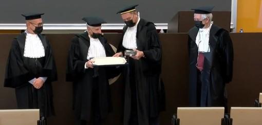 "Il Cavalier Amilcare Merlo riceve la laurea ad honorem in ingegneria meccanica. ""Ai giovani dico siate curiosi, osate!"""
