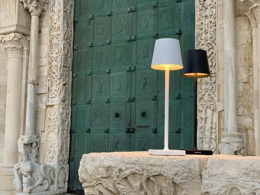 """Bella, pratica e """"Stilosa"""": ecco la nuova """"lampada da cena"""" per la casa e il ristorante"""