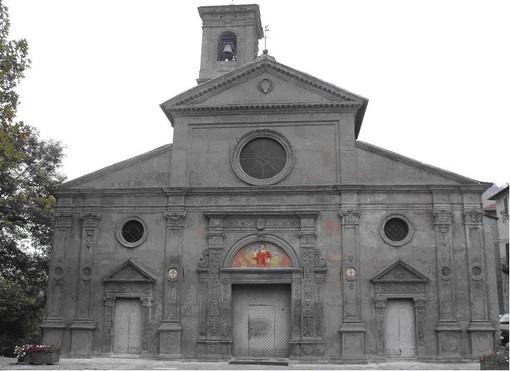 La facciata della chiesa rinascimentale di San Lorenzo a Saliceto, pregna di simbologie templari