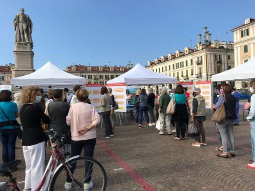 Rischio cardio-cerebrovascolare: tante donne in fila per i controlli in piazza Galimberti a Cuneo