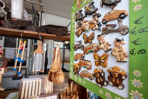 Pietra Ligure, l'atteso shopping a cielo aperto torna domenica 8 agosto con il  Mercato Riviera delle Palme