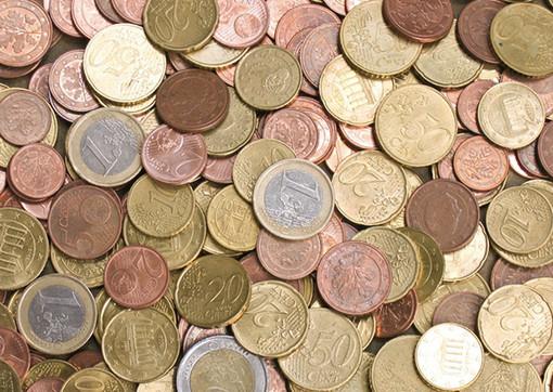 Portate via merendine, pochi soldi e materiale sportivo: raffica di furti negli impianti sportivi di Cuneo