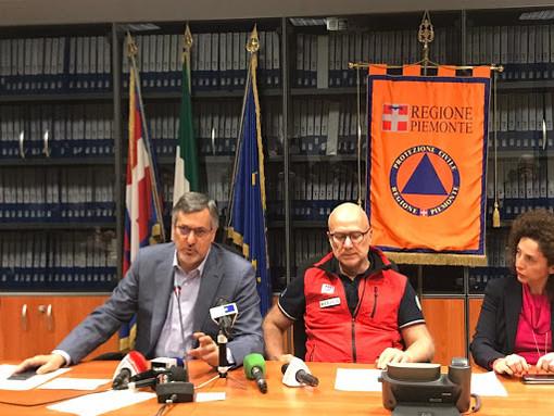 Al centro il dottor Mario Raviolo. Alla sua sinistra l'assessore regionale alla Sanità Luigi Genesio Icardi