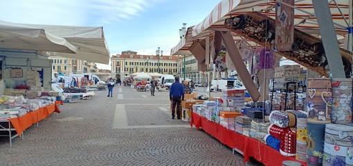 Cuneo: spostamento banchi mercato venerdì 25 giugno