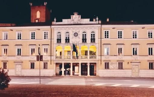 Giornata mondiale dell'Endometriosi: nel week-end il municipio di Mondovì si è tinto di giallo