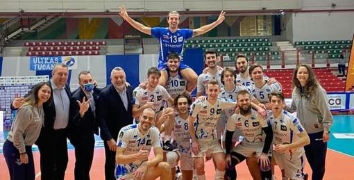 """Volley maschile A2 - Mondovì torna da Brescia con tre punti, Barbiero elogia i suoi: """"Ottimo atteggiamento ed approccio giusto della squadra"""""""