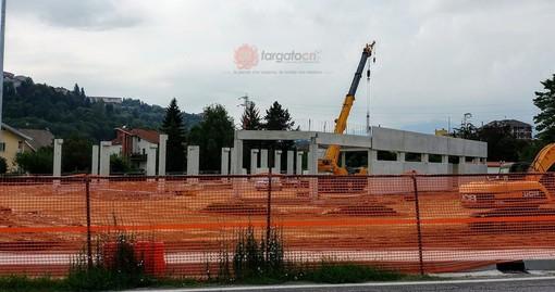 """""""Ancora cemento, ancora un capannone"""": a Mondovì il nuovo supermercato continua a far discutere"""