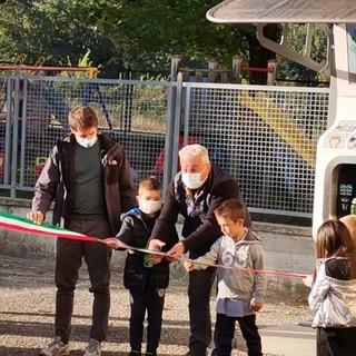 A Niella Tanaro inaugurata la nuova casetta dell'acqua con i bambini delle scuole
