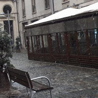 Era annunciata ma sorprende sempre: neve di fine marzo a Cuneo (VIDEO)