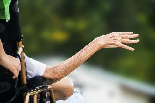 """""""Residenze di comunità"""": la Fondazione CRC lancia un ambizioso progetto per ripensare le strutture per anziani della Granda"""