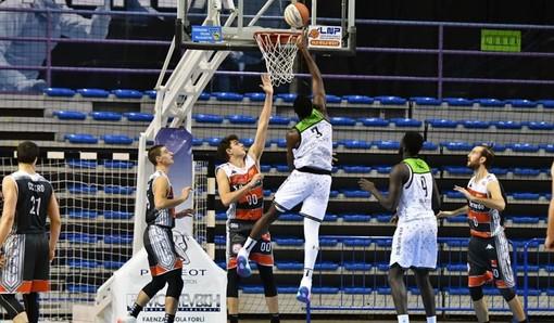 Alba in azione - foto VNPHOTOGRAPHY - pagina fb olimpo alba basket