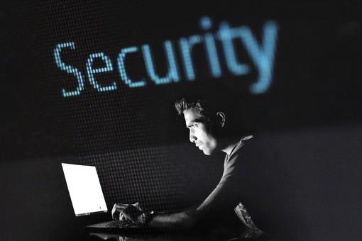 Cose che fai online che compromettono la tua privacy
