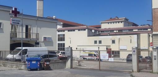 Saluzzo, via del Follone l'ingresso del Pronto  Soccorso dell'Ospedale di Saluzzo