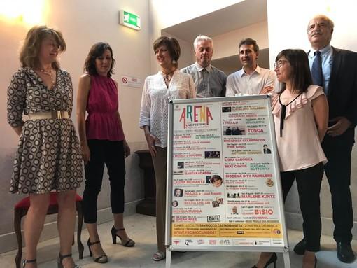 Cuneo riparte con gli spettacoli dal vivo: due mesi di prosa, musica e cabaret