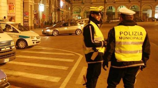 Controlli notturni della Polizia locale a Cuneo: sanzionato 33enne ubriaco alla guida