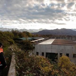 Borgo San Dalmazzo: il comitato contro il nuovo biodigestore consegna in Comune le firme della petizione popolare