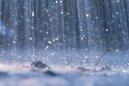 Maltempo per tutto il weekend: in arrivo piogge abbondanti e nevicate a quote medio-alte