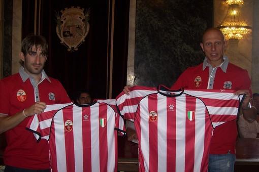 Presentata anche la nuova maglia del nuovo sponsor tecnico Kelme