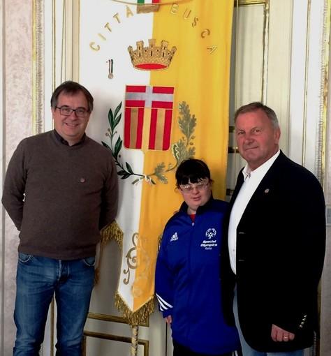 Paola Begliardo con il sindaco Marco Gallo e l'assessore allo Sport, Gian Franco Ferrero