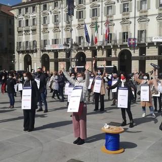 """Anche gli artigiani in piazza: """"In sicurezza, ma ripartire. Siamo allo stremo"""" [VIDEO]"""
