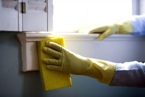 """Savigliano, cambia la ditta per le pulizie degli immobili comunali, ma si tagliano orari esalari alle dipendenti. Ambroggio: """"Abbiamo fatto un regolare appalto"""""""