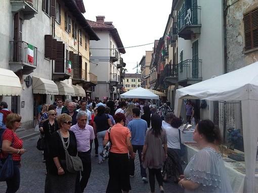 Castelli aperti, arte di strada, sport e feste patronali: metti una domenica in Granda