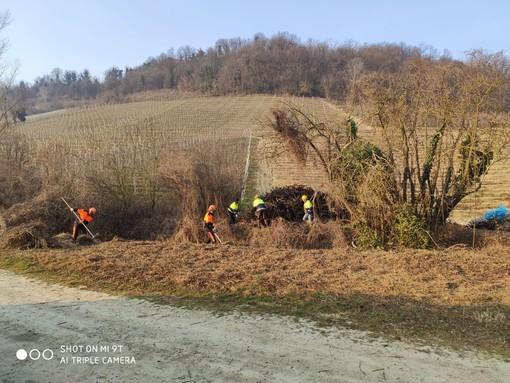 Monforte: ripulita una parte del rio Bussia