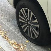 """""""Regalo quattro pneumatici a chi si è ritrovato le ruote squarciate alle Basse di Stura"""""""