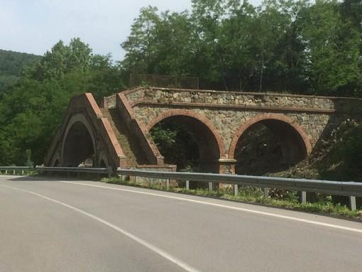 Valle Tanaro: il sovrappasso ferroviario di Piangranone è tornato al suo antico splendore
