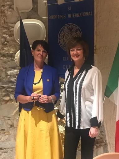 Soroprimist Club di Cuneo: la Presidente Ingrid Brizio finisce il suo biennio e passa il testimone alla Presidente eletta Vera Anfossi