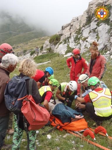 Soccorso alpino: dopo 24 ore di lavoro, recuperato lo speleologo bloccato in grotta