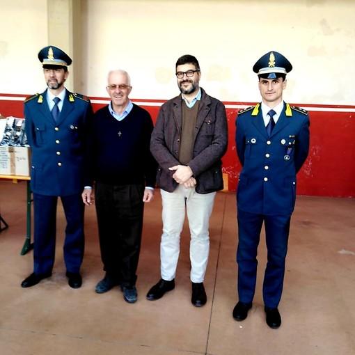 Alla Caritas di Saluzzo i capi di abbigliamento sequestrati dalla Guardia di Finanza