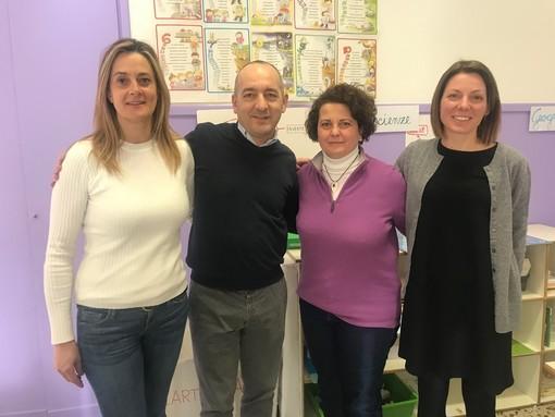 Da sinistra, la maestra Risso, l'assessore del Comune di Cuneo Luca Serale, la dirigente Anigello e la maestra Anna Isoardi