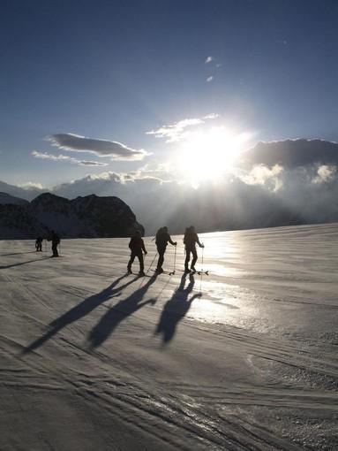 """Le guide alpine contro l'abuso di professione: """"Diffidate da chi non ha competenze adeguate"""""""