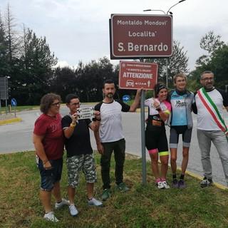 """Paola Gianotti a Montaldo di Mondovì per inaugurare il cartello """"Io rispetto il ciclista"""""""