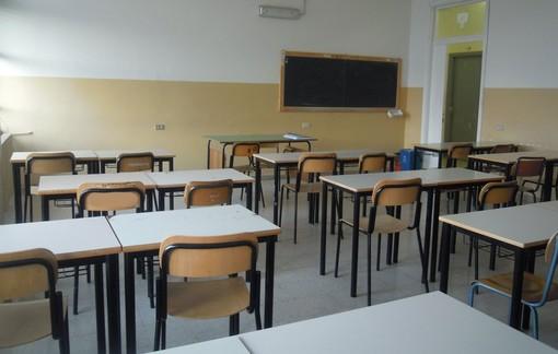 Cherasco investe per la ripresa della scuola a settembre: tensostrutture a noleggio per le mense e acquisto di nuovi banchi