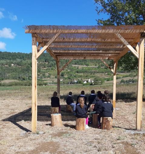 La scuola primaria di Camerana riparte con lezioni all'aperto