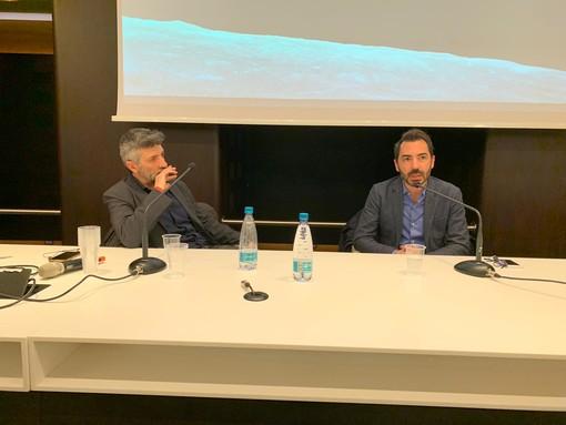 """""""Siamo resti di stelle"""": allo spazio incontri della Fondazione CRC lezione di astrofisica con Amedeo Balbi e Antonio Pascale"""