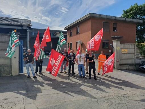Senza stipendio da aprile: incrociano le braccia i 60 lavoratori della Massano srl di Montanera e Grugliasco
