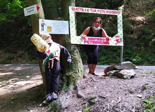 """La storia del """"sentiero di Petinmenin"""" piccolo bambino alto solo come un fungo"""