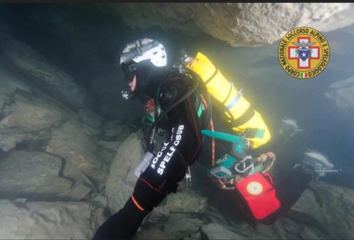 Il soccorso in una grotta con sifoni: gli speleo sub del soccorso alpino piemontese alla Grotta dell'Orso a Ponte di Nava