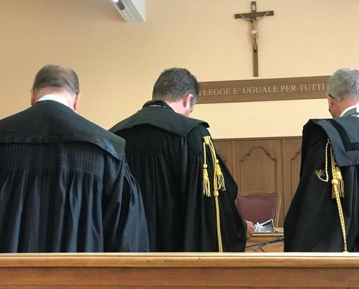 In tribunale a Cuneo al via il processo che vede tra gli imputati la madre di Matteo Renzi