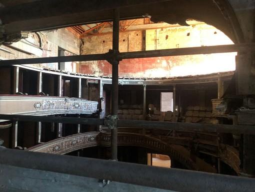 L'interno del teatro in una delle immagini diffuse dal Comune