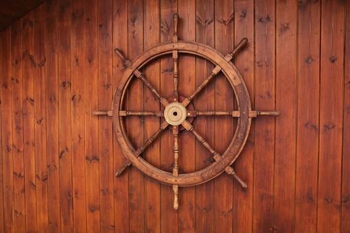 Falegnameria specializzata nella costruzione arredi per yacht, ricerca personale