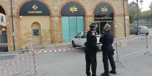 Tentato furto al bancomat Bam di Vicoforte con esplosivo: artificieri antisabotaggio dei carabinieri sul posto  (FOTO E VIDEO)