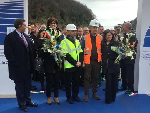 """Il ministro De Micheli inaugura il nuovo viadotto """"Madonna del Monte"""" sulla A6 (VIDEO)"""