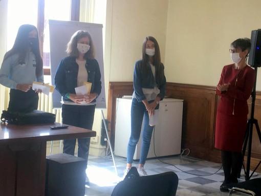 Saluzzo, le tre studentesse delle Medie premiate  : Benedetta Corno, Angelica Quaglia, Valentina Risso